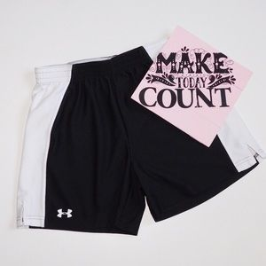 Under Armour Shorts Loose Small